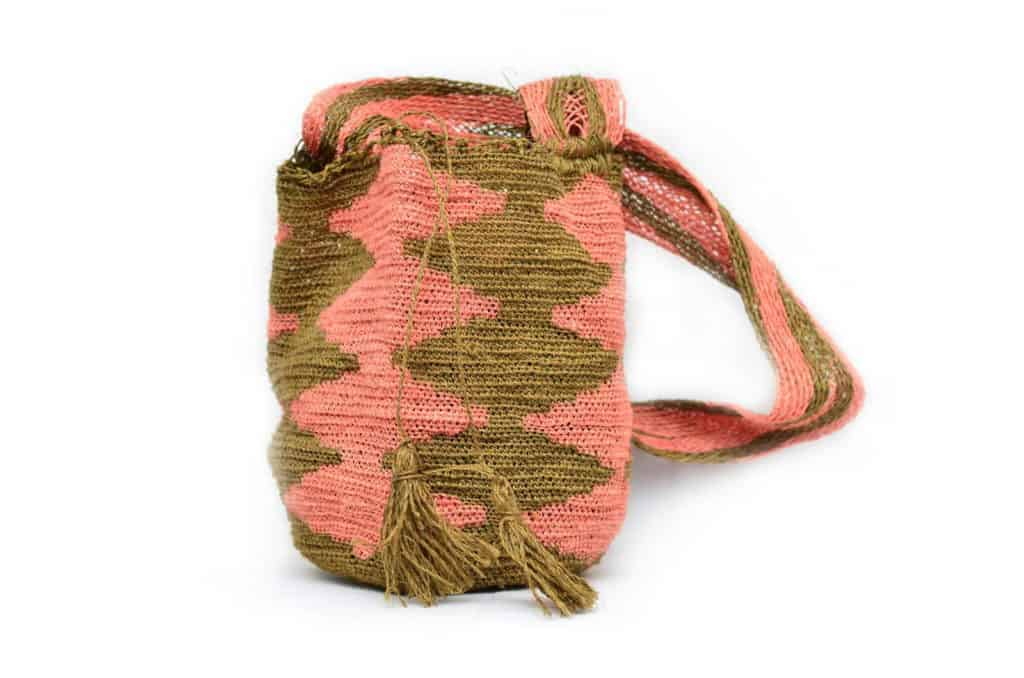 Kiskadee Design Catalogue Image of a Green and Pink Pattern Boho Crossbody Bag by Women from the Kankuamo Indigenous Tribe in the Sierra Nevada de Santa Marta - Colombia