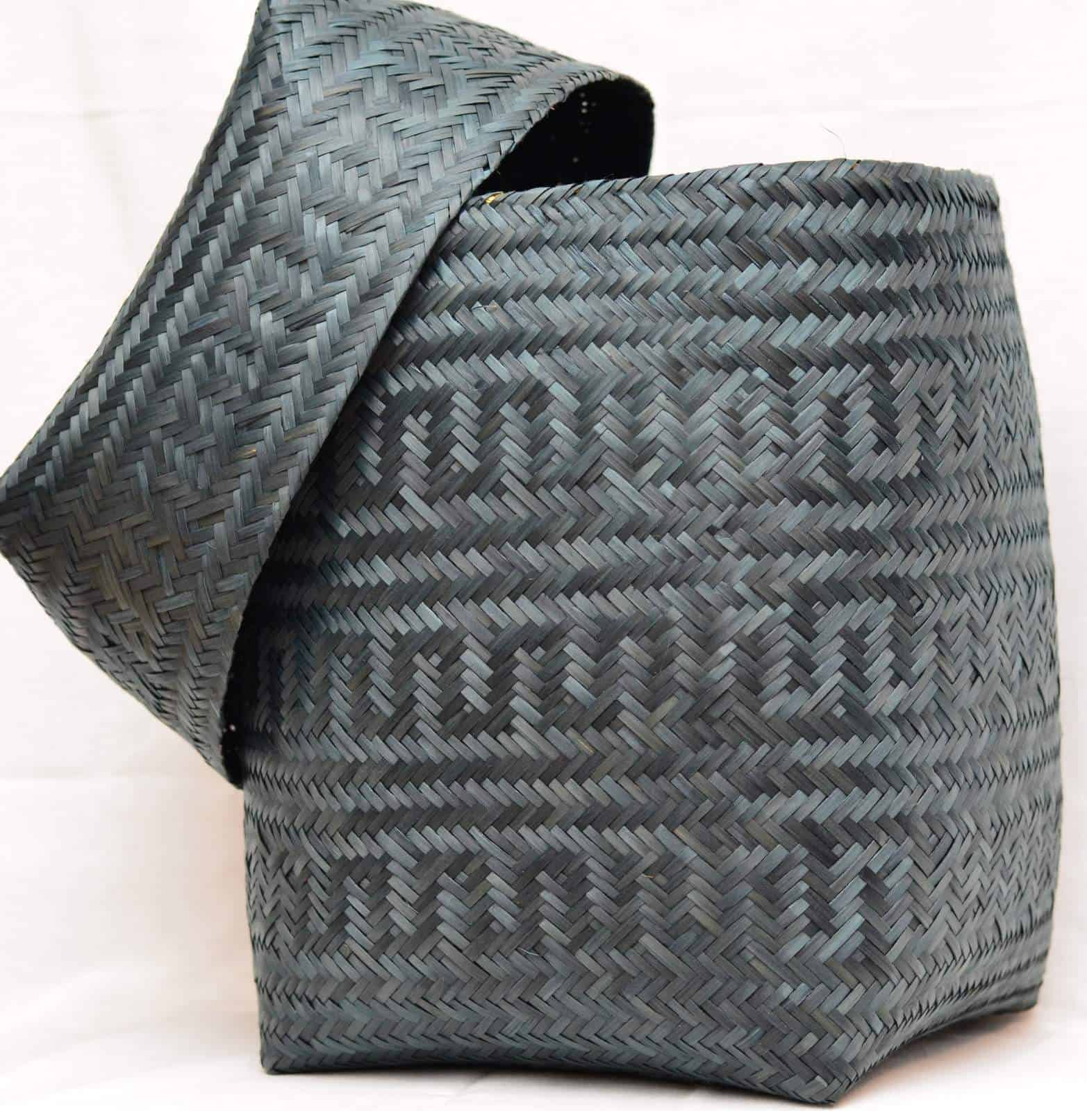 Paja Tetera Basket with Snake Pattern