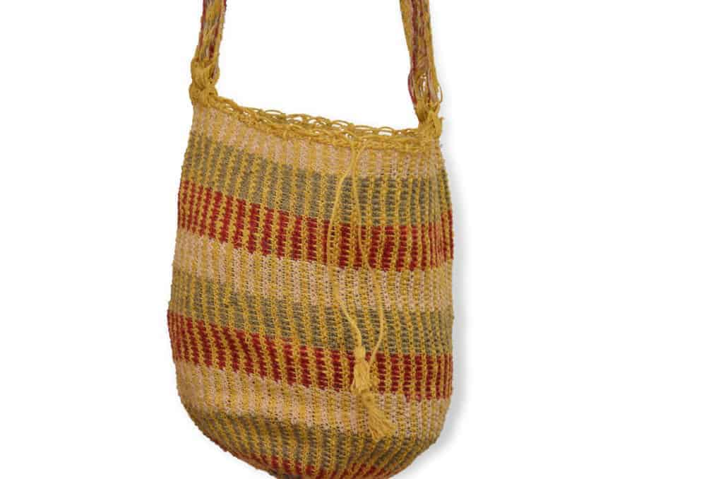 Kiskadee Design Catalogue Image of a Las Flores Pattern Kankuamo Fique Mochila by Women of the Indigenous Tribe in the Sierra Nevada de Santa Marta - Colombia