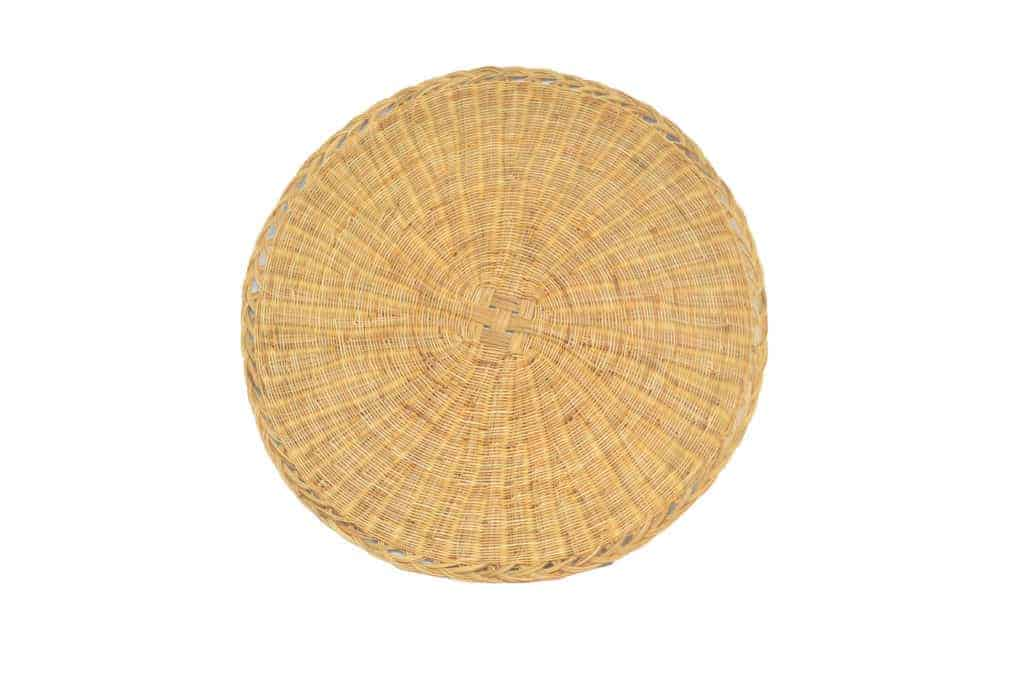 main product image of a Round woven placemats made from Esparto fibers on a white background