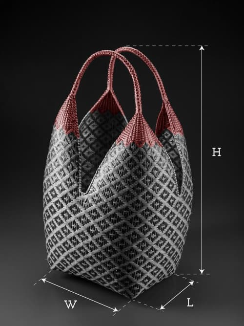 image of an extra large cuatro tetas basket showing product dimensions