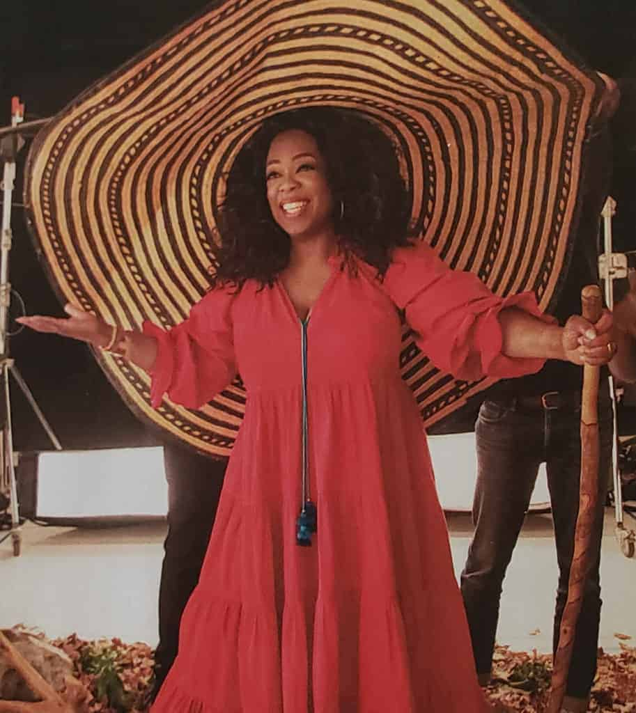 picture of page 20 from a paper copy of the Oprah Magazine, April 2019 Issue, with Oprah wearing an extra large colombian sombrero vueltiao