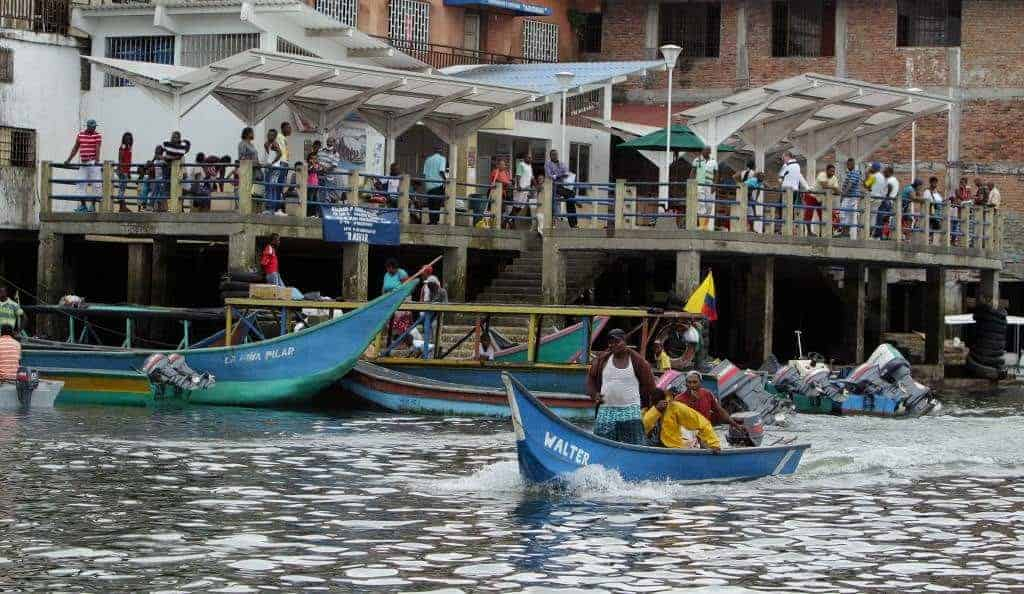 picture of a busy market day in Tumaco, Nariño