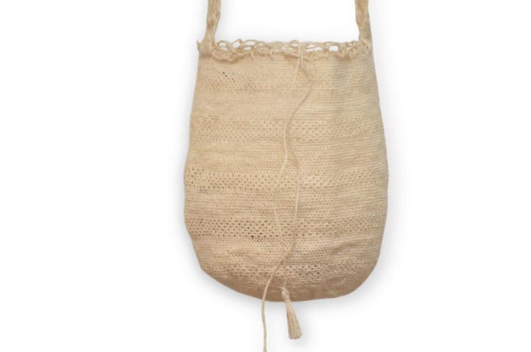 Kiskadee Design Close Up Image 2 of a Colombian Mochila Bag in White Fique