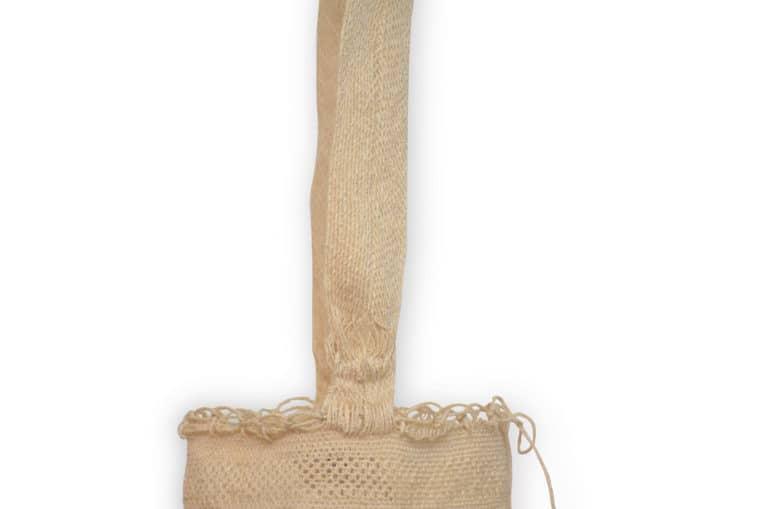 Kiskadee Design Close Up Image 3 of a Colombian Mochila Bag in White Fique