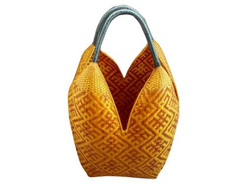 product picture of a cuatro tetas basket with spider pattern in yellow and black