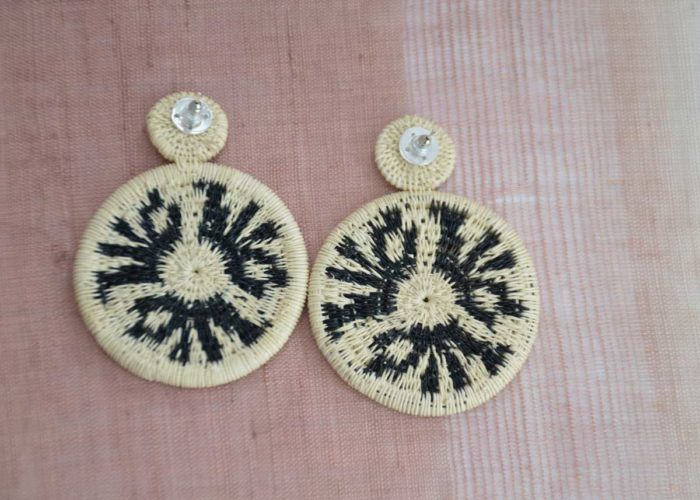 Kiskadee Design Top View Image of a Beautiful accessories made by members of the Wounaan Indigenous tribe Werregue double circle earring, Natural handmadein Colombia with natural Werregue fibers