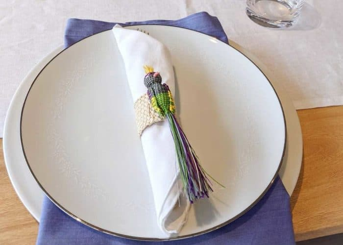 Kiskadee Design Top View Image of a Beautiful table accents. Made in Sandona Narino Natural fiber bird napkin rings handmadein Colombia with natural iraca fibers