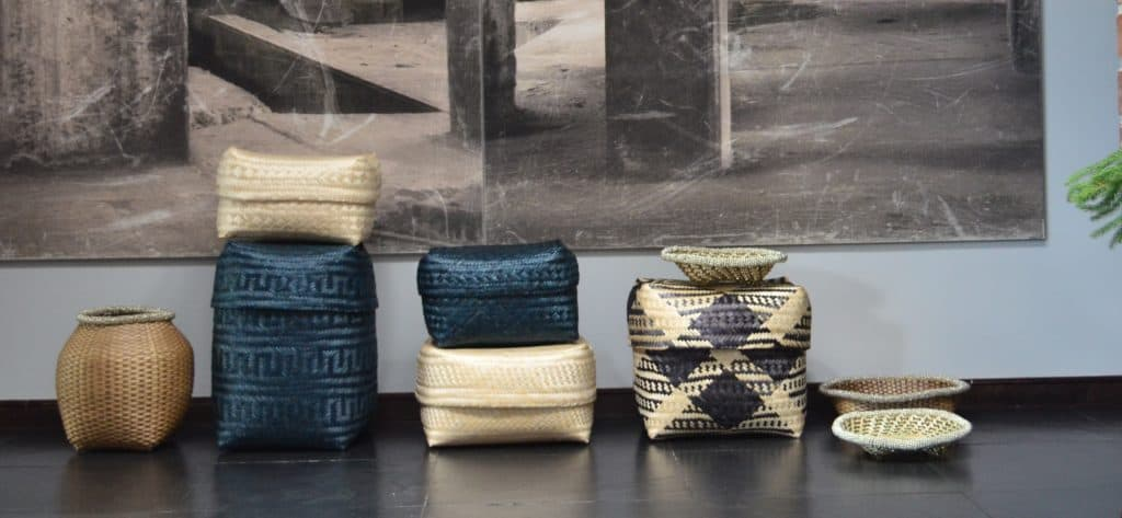 Long picures of various baskets for sale