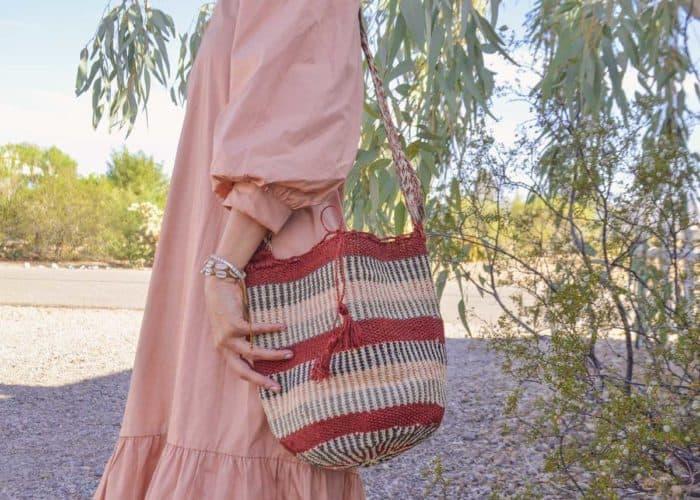 Kiskadee Design Catalogue Image of a Made by women from the Kankuamo tribe in the Sierra Nevada de Santa Marta - Colombia Handwoven Kankuamo Fique Mochila - GOYA handmade woven shoulder bag in colorful pattern