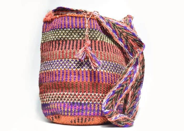 Kiskadee Design Catalogue Image of a Made by women from the Kankuamo tribe in the Sierra Nevada de Santa Marta - Colombia Handwoven Kankuamo Fique Mochila - LA MINA handmade woven shoulder bag in colorful pattern - 2