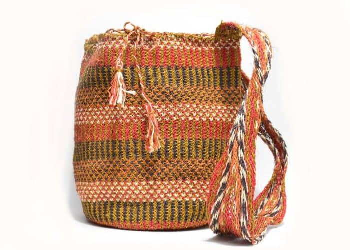 Kiskadee Design Catalogue Image of a Made by women from the Kankuamo tribe in the Sierra Nevada de Santa Marta - Colombia Handwoven Kankuamo Fique Mochila - LOS HATICOS handmade woven shoulder bag in colorful pattern - 2