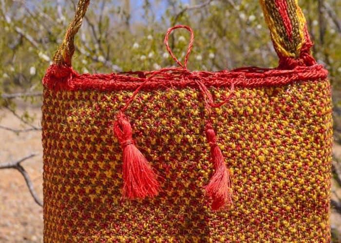 Kiskadee Design Close Up Image of a Made by women from the Kankuamo tribe in the Sierra Nevada de Santa Marta - Colombia Handwoven Kankuamo Fique Mochila - RAMALITO handmade woven shoulder bag in colorful pattern